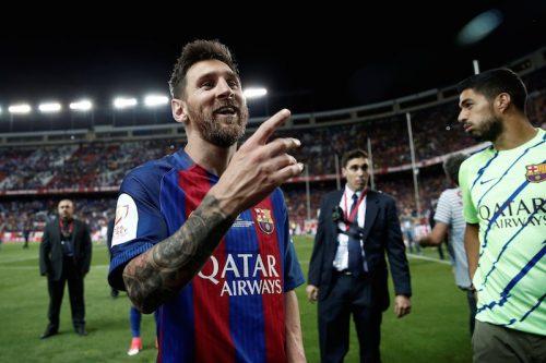 ●バルセロナがメッシとの契約更新を発表! 「メッシは史上最高の選手」