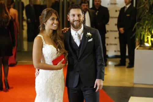 ●新婚メッシが華麗な足さばきを披露…なんとダンスフロアで!