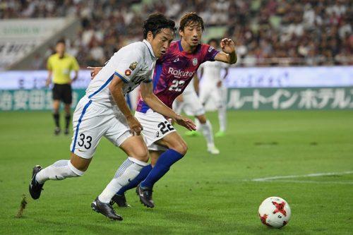 前年度王者・鹿島が首位奪取! 神戸に先制許すも金崎の2得点で逆転勝利