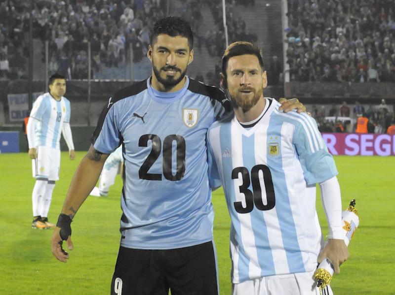 ウルグアイ アルゼンチン
