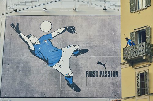 Buffon and the graffiti mural in Turin