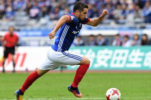 横浜FM、チーム首位10得点のH・ヴィエイラが一時帰国…右ひざ負傷で