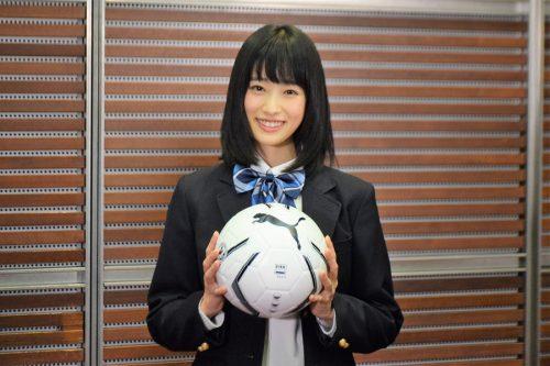 ●歴代初の21世紀生まれ! 髙橋ひかるさんが高校サッカー選手権マネージャー就任
