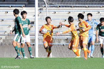 清水エスパルスユースと青森山田高校の一戦は、4-4の打ち合いとなった