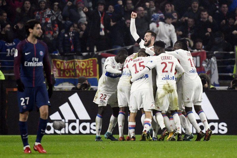 首位攻防戦はリヨンが劇的勝利! ネイマール欠場の首位PSGは今季2敗目