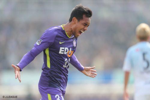 広島、Jリーグ初戦を制する! 新加入ティーラシンがデビュー戦でゴール