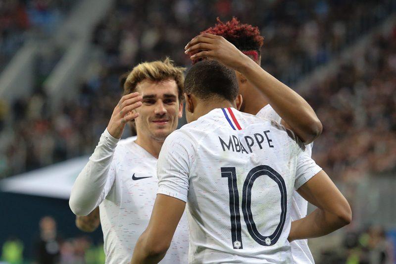 フランス、W杯開催国ロシアに勝利…ムバッペ2発、ポグバもゴール