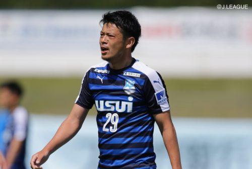 沼津が鳥取との直接対決制して首位浮上…YS横浜は3連勝/J3第8節