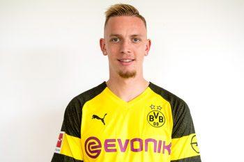 ドルトムントがヴォルフ獲得発表、5年契約締結…今季11アシストの23歳