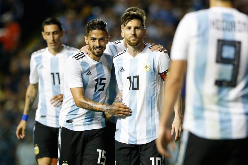 アルゼンチン、W杯メンバーの背...