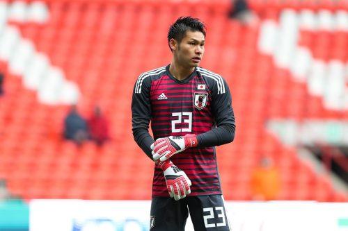 ●日本代表GK中村航輔、試合中に頭から落下のアクシデント 救急車で会場を後に