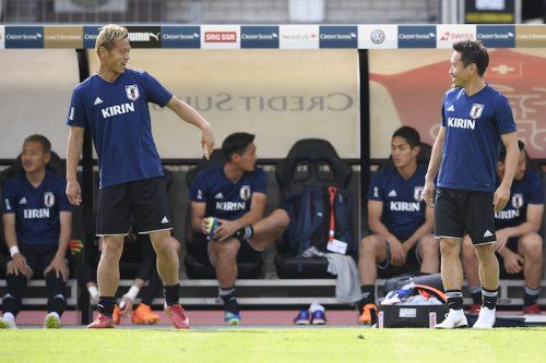 ●「もっとやらなければ」スイスに敗れるも…本田と長友は前を向く「失望してない」