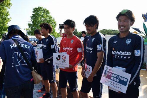 【ライターコラムfrom福岡】選手が絵付けしたカップを復興支援に。「福岡を元気にすることも仕事」