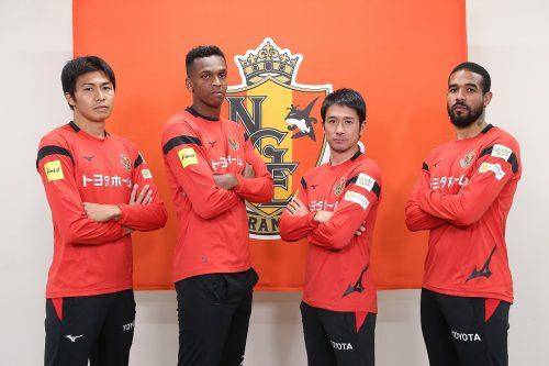 """名古屋グランパスの選手が『FIFA19』で""""ガチ対決""""…現実さながらのプレーを交えて勝利を目指す"""