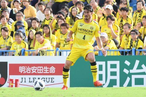 浦和、柏からDF鈴木大輔を獲得「世界に誇るサポーターの方々の前で少しでも早くプレーしたい」