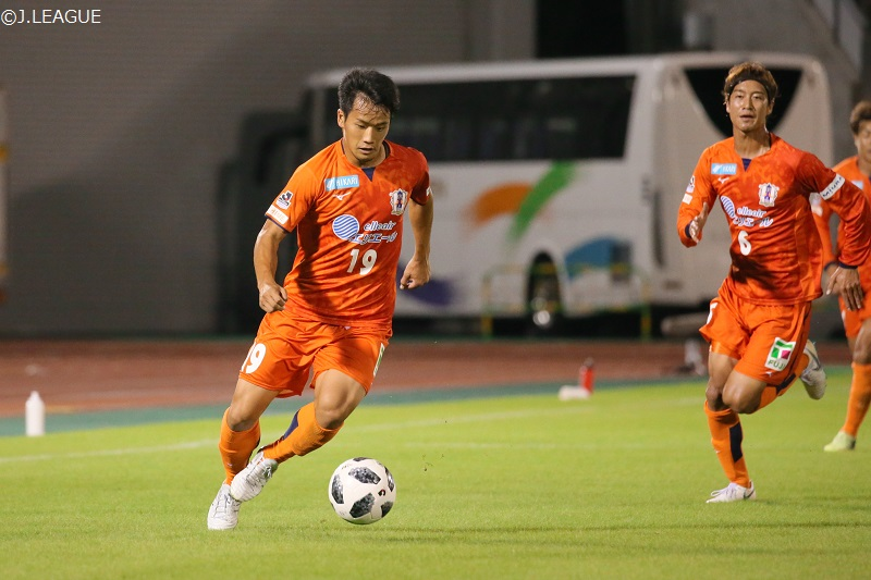 愛媛、岡山からFW藤本佳希を完全移籍で獲得…今夏に期限付き移籍で加入後3得点 | サッカーキング