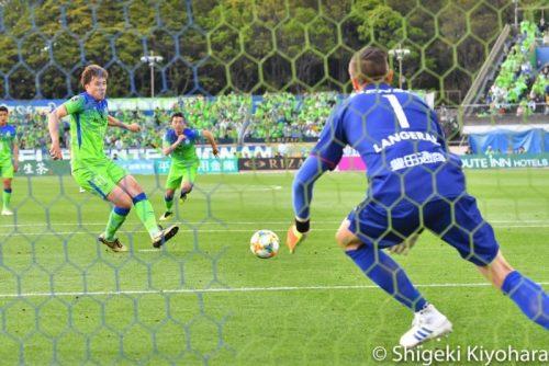 J1 20190504 Shonan vs Nagoya Kiyohara12(s)