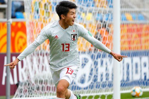 19歳バースデー宮代2発&田川弾! 日本、U-20W杯16強近づく3得点快勝