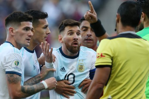 ●南米サッカー連盟、メッシへの処分を発表…3カ月の出場停止と罰金