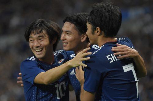 日本、大量6得点でモンゴルを粉砕…伊東が3アシスト、長友が10年ぶりの得点