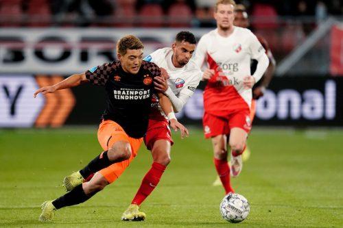 堂安律は先発も無得点…PSV、退場者2人出して反撃できず今季リーグ初黒星