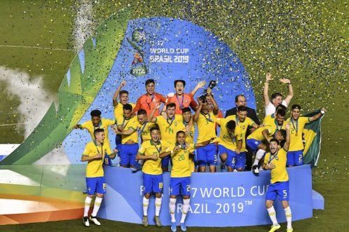 U-17W杯は開催国のブラジルが優勝! 終了間際に劇的逆転弾でメキシコ下す