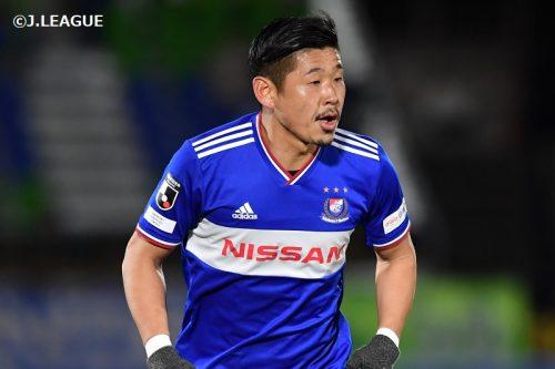 18年間、横浜FM一筋…試合後のセレモニーで栗原が思いを語る「この背番号4は、運命」