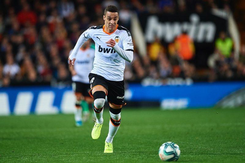 移籍間近と報道も…バルサのロドリゴ獲得交渉が決裂、代役はタディッチか