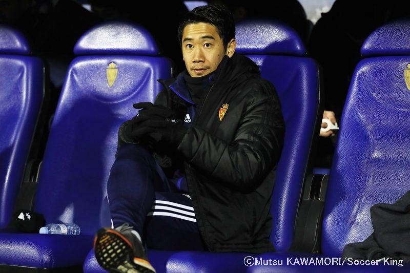 香川真司、3試合ぶりスタメンも前半に途中交代…右ハムストリング負傷