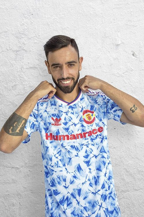 FW20_FOOTBALL_HUFC_ACLUBS_MUFC_BRUNOFERNANDES_NON_ADIDAS_0127